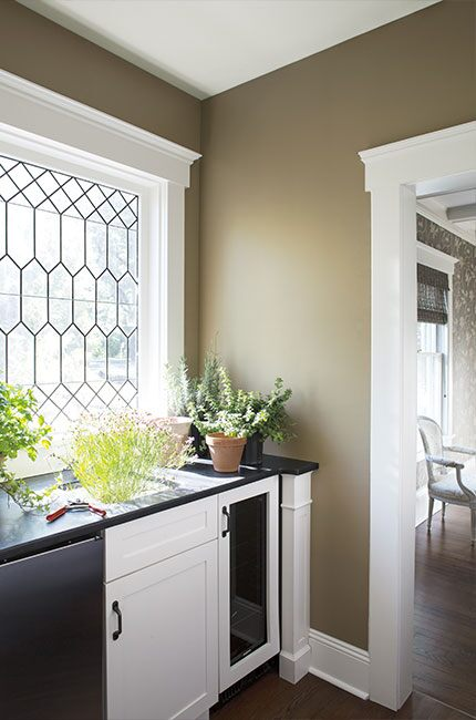 Neutral color wall paint for utility room