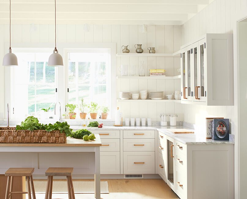 White Off Paint Colour By, Chantilly Lace Or Simply White For Kitchen Cabinets