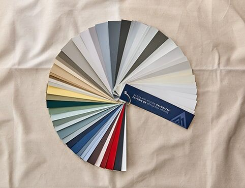 Benjamin Moore® fan deck featuring 75 popular color choices.